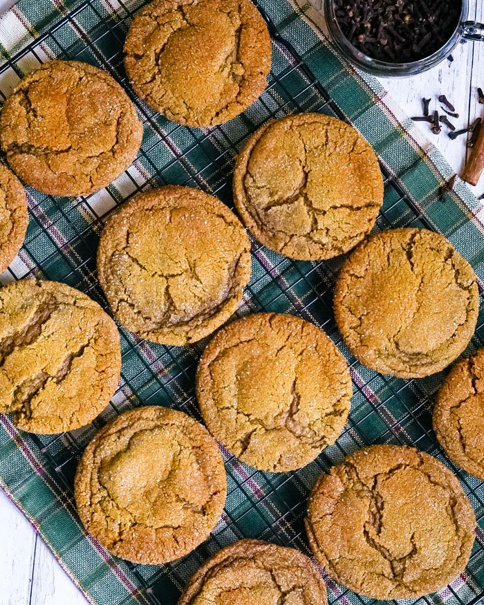 Vegan Ginger Molasses Cookies Recipe